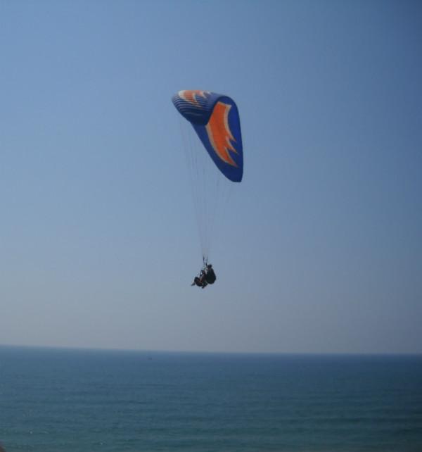 Paragliding in Shfayim